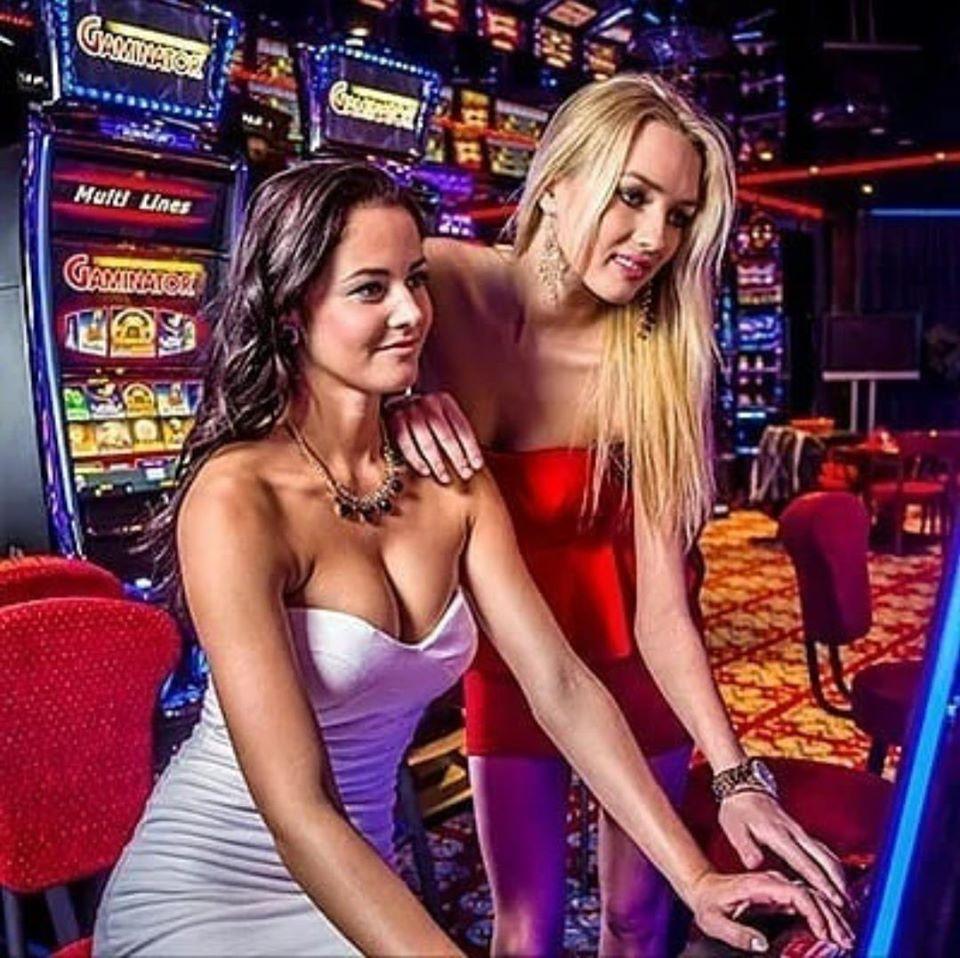 Jogos de Slots (caça niqueis) online - Grátis & Dinheiro