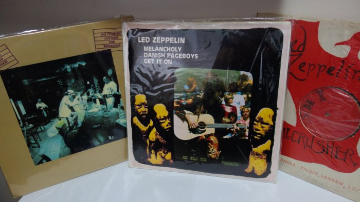Led Zeppelin rare vinyl records bootlegs