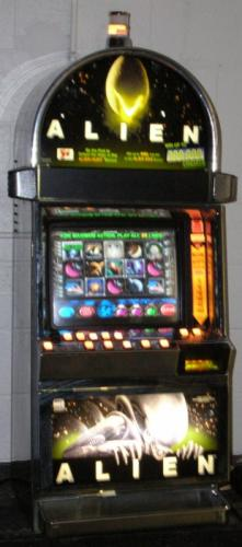 Alien Video Slot - IGT