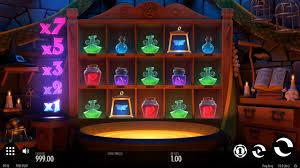 Play Frog Grog Slots game Casumo